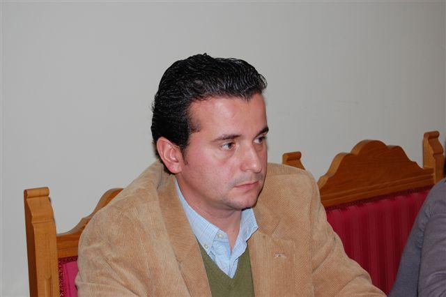 Caselles será el candidato del PP de Moraleja y Concepción González irá en la lista, pero sólo en un lugar testimonial