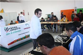 """Más de sesenta aficionados participan en Guareña en el programa """"Practica Ajedrez con los mejores"""""""
