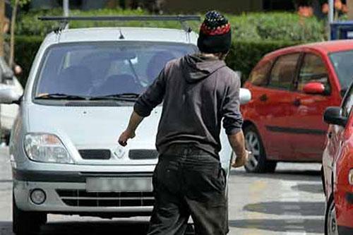 """La Policía Local de Plasencia presenta 220 denuncias por la práctica de los """"gorrillas"""" en los dos últimos años"""