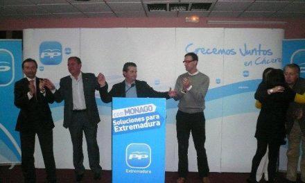 Pedro Caselles es arropado por el PP regional en la presentación oficial de su candidatura en Moraleja