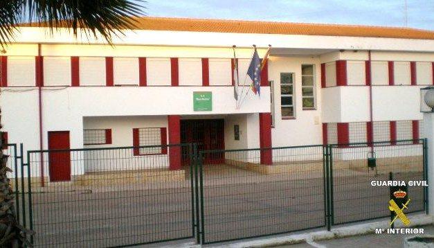 El ladrón de un colegio en Puebla de la Reina es pillado tras utilizar la red tuenti cuando cometía el delito