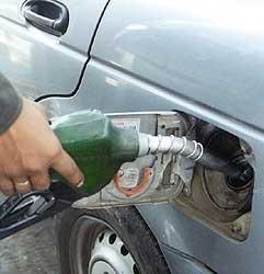 El precio del gasóleo sube más del 17% en lo que va de año 2007 en la región extremeña