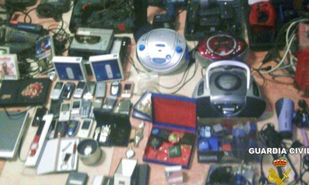 Detienen a seis jóvenes por una veintena de robos en los pueblos de Montijo, Barbaño y Puebla de la Calzada