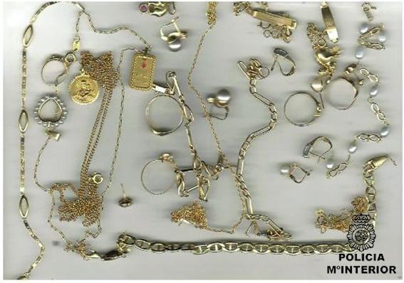 La Policía interviene en Mérida 125 piezas de oro vendidas ilegalmente y detiene a siete personas
