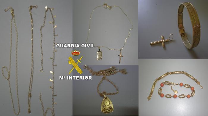 La Guardia Civil detiene a cuatro personas por sustraer joyas del interior de viviendas de tres localidades pacenses