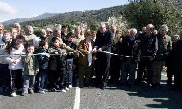 Los vecinos de Villar de Plasencia ya cuentan con una nueva carretera de acceso hacia la autovía A-66