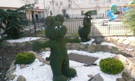 El Ayuntamiento de Moraleja desactiva los focos luminosos de las figuras Disney pero aclara que no se retirarán