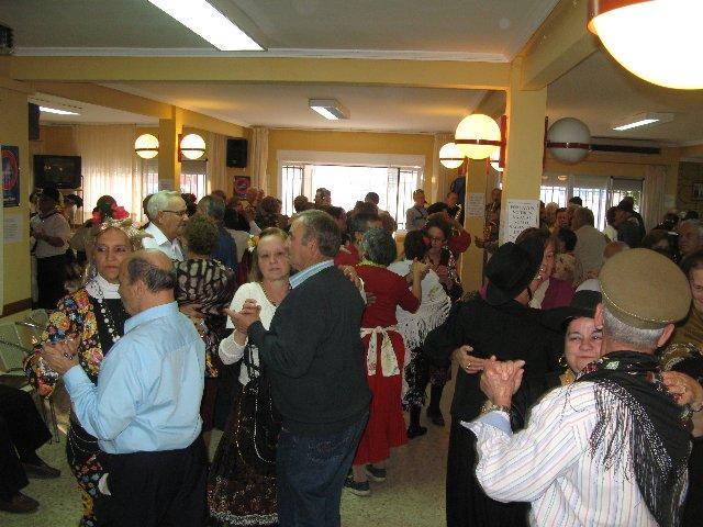 Los mayores de Moraleja comienzan a celebrar las fiestas del Carnaval con el Jueves de Comadres