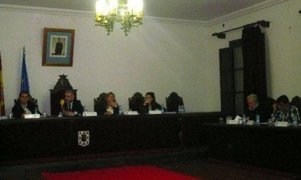El alcalde de Coria, Juan Valle, asegura que la deuda a proveedores ha disminuido de 5 a 1,9 millones de euros