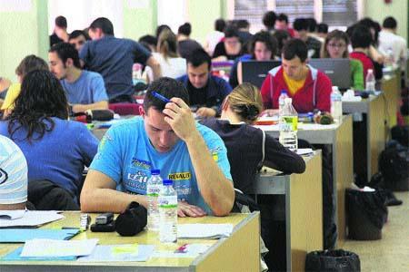 Unos 2.000 jóvenes de sesenta poblaciones de Extremadura podrán cursar inglés gratuitamente