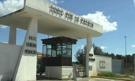 """Cuatro militares son arrestados por """"negligencia"""" en el robo de armas de la base General Menacho"""