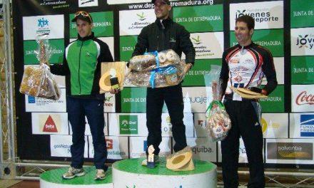 El atleta José Manuel Tovar triunfa en el XII Duatlón de Torrejoncillo y se impone a Paquillo Fernández-Cortés