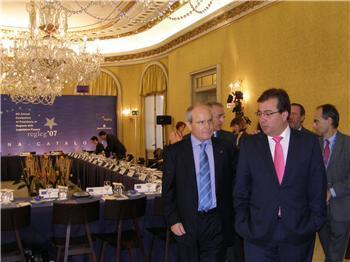 Fernández Vara destaca el papel y la voz que da a las regiones como Extremadura el nuevo tratado de la UE