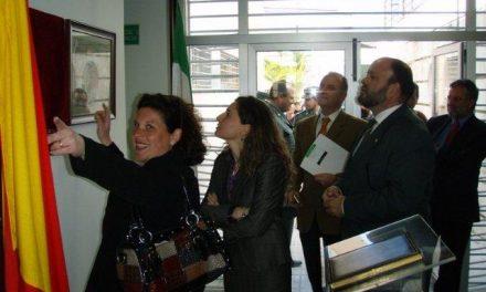 Ceclavín inaugura los pisos tutelados con la presencia de autoridades regionales y provinciales