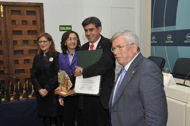Miajadas recibe un premio nacional por el cultivo de gramíneas ornamentales en el diseño de jardines