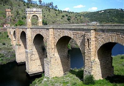 Los vecinos de Alcántara convocarán a los extremeños en una nueva protesta para apoyar al puente
