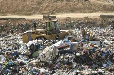 El Ministerio de Medio Ambiente pretende eliminar en Extremadura trescientos vertederos ilegales