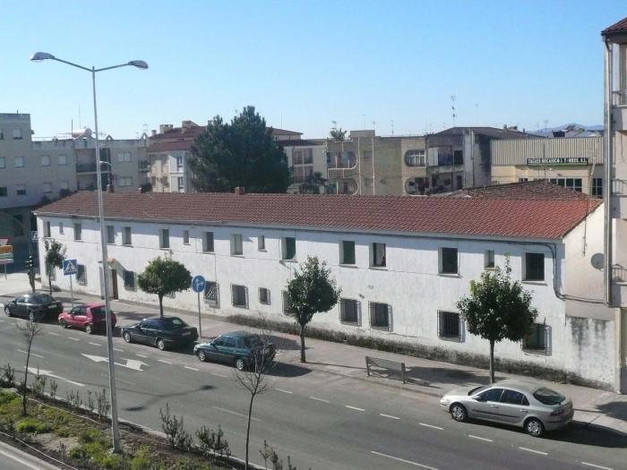 El Ayuntamiento de Moraleja inicia negociaciones con el Gobierno para comprar el cuartel de la Guardia Civil