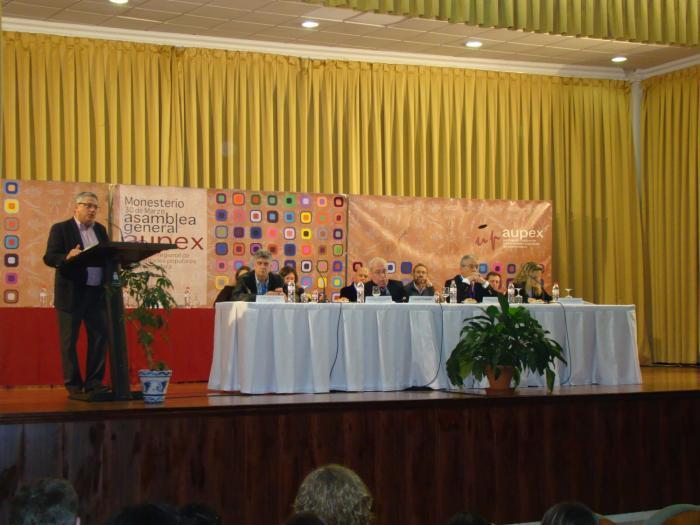 Aupex celebra su asamblea geneal anual con 200 asistentes en la casa de cultura de Monesterio