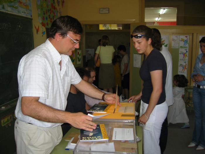 Más de 50.000 extremeños están llamados a votar por primera vez en las elecciones municipales y autonómicas