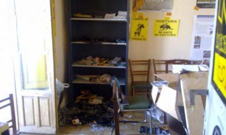 Roban y queman la sede de Ecologistas en Acción de Cáceres y los mismos cacos roban en la ONG Setem