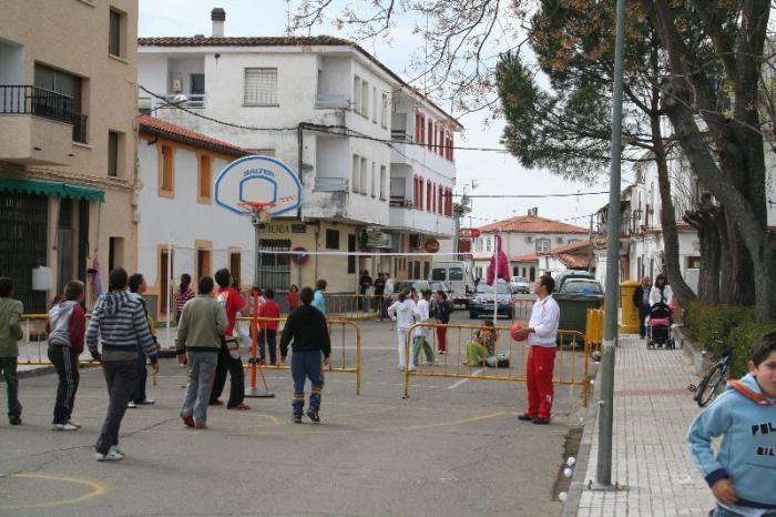 """La calle Carreras de Moraleja acogerá del 18 al 20 de abril la actividad infantil """"Deporte en la calle"""""""