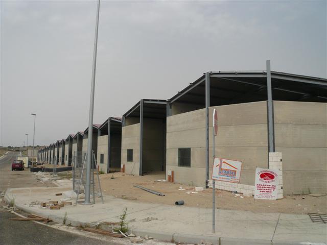 Feisa tiene previsto entregar en diciembre las 17 naves industriales del parque empresarial de Trujillo