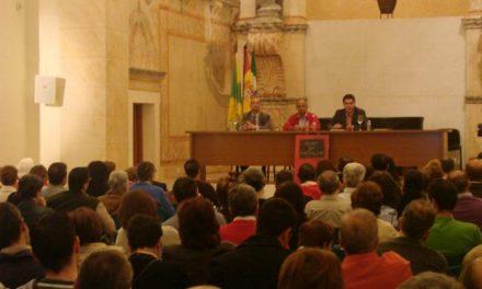 El libro «Almas de Magdalena» aborda el patrimonio de la iglesia de la Magdalena de Olivenza