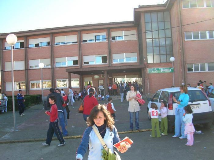 Educación concluye el expediente de cesión de terrenos para la ampliación del IES Jálama de Moraleja