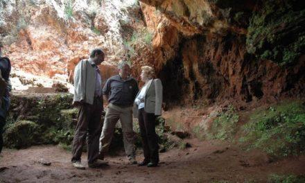 Las jornadas de puertas abiertas de la Cueva de El Conejar de Cáceres congregan a 300 personas