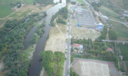 Coria confía en que la limpieza del río pueda estar para verano aunque aún no hay fecha para las obras