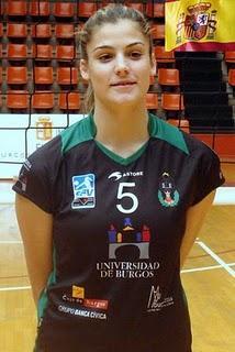 La jugadora moralejana Alba Sánchez es convocada por la Selección Española Absoluta de Voleibol para el europeo