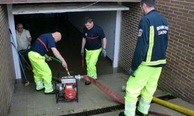 Una tromba de agua caída en Moraleja inunda bajos de viviendas y garajes en poco más de 20 minutos