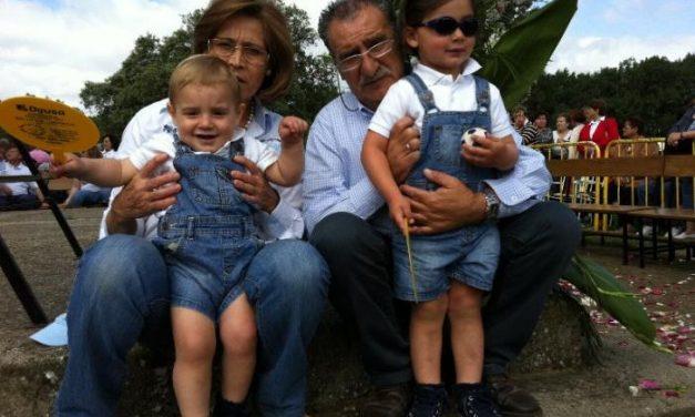 Miles de personas participan este domingo en la romería en honor a la patrona de Moraleja