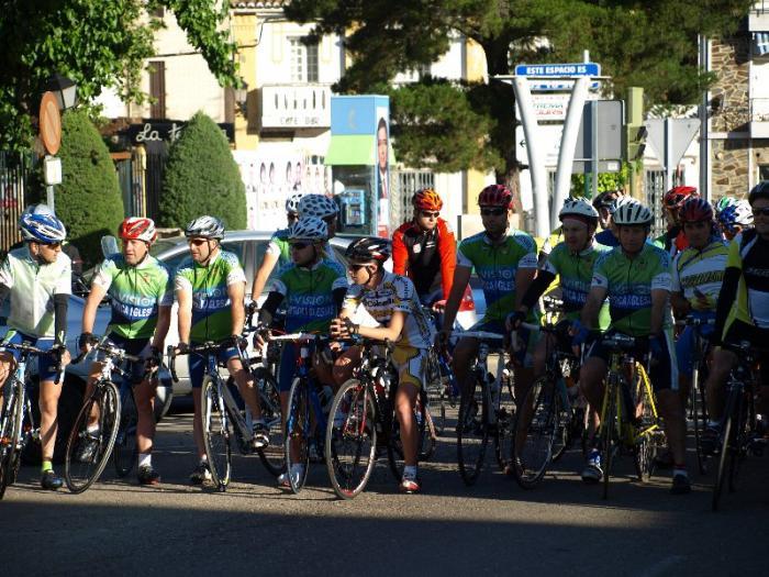 La XVI Marcha Cicloturista Sierra de Gata, organizada por el Club Ciclista Moraleja, reúne a 60 participantes