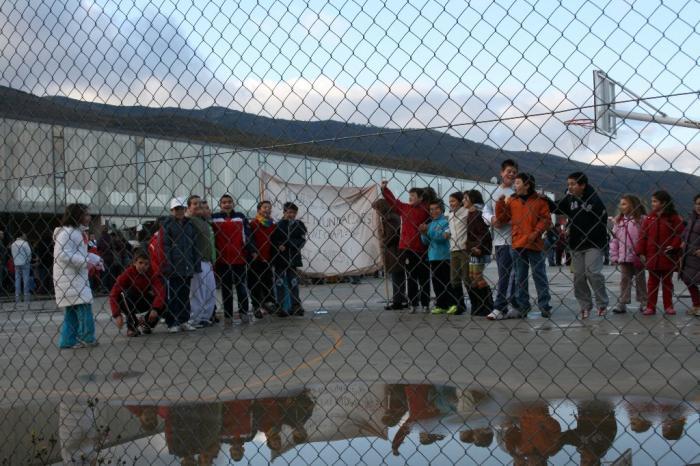 Los alumnos del colegio de Hervás vuelven a las clases después de las inundaciones registradas esta semana