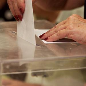 Todos los electores podrán depositar ellos mismos el sobre con su voto en las urnas el día 22 de mayo