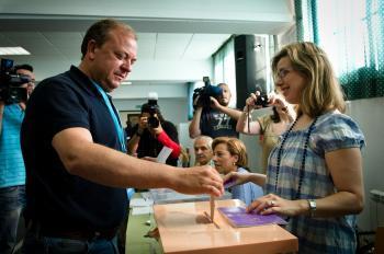 El PP gana las elecciones en Extremadura, aunque gobernará el PSOE con IU, que niega que haya un pacto