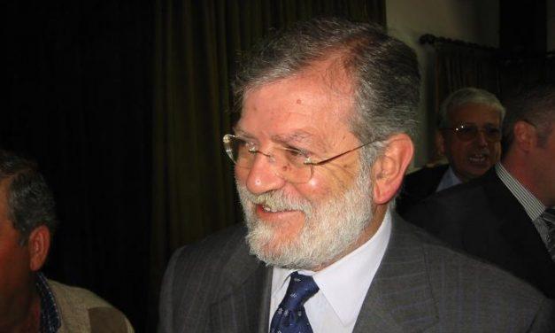 El expresidente socialista Ibarra opina que IU permitirá un gobierno de los populares en la región extremeña