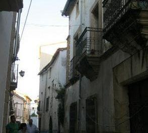 La comisión de seguridad de San Juan clausura la calle Sinagoga durante las fiestas por riesgo de derrumbe