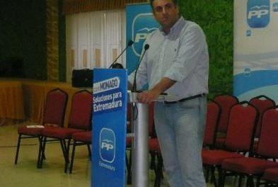 """Ballestero dice que el PSOE tendrá que valorar en su justa medida la frase de Valle de que """"el PSOE se limpie"""""""