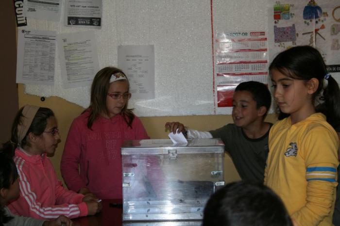 Pinofranqueado ha celebrado el Pleno Infantil 2007 con motivo del Día Internacional de la Infancia