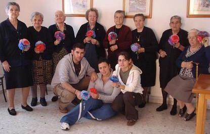 El Ayuntamiento de Aliseda da talleres de manualidades a los mayores de los pisos tutelados hasta diciembre