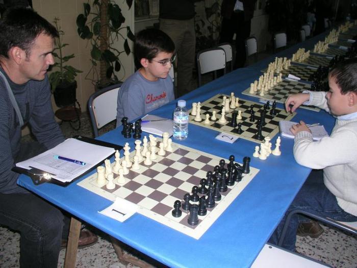 Ibrahim Khamrakulov y Juan Carrasco muestran su talento en el Torneo de Ajedrez de la Diputación