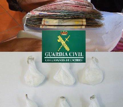 La Guardia Civil detiene a cuatro personas en Navalmoral de la Mata, por un delito de tráfico de drogas