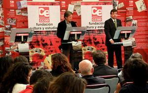 IU exige al PSOE un giro a la izquierda y 12 medidas que rectifiquen su política tras la reunión de Escobar y Vara