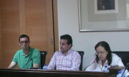 El pleno de Moraleja aprueba, con la abstención del PSOE, la dedicación exclusiva de Pedro Caselles