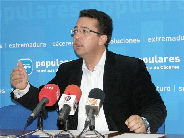 Fernando Manzano, actual secretario de los populares extremeños, será el nuevo presidente de la Asamblea