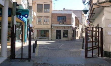 El Ayuntamiento de Moraleja inicia la instalación de las vallas de los festejos taurinos de San Buenaventura