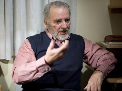 Anguita cree un error sancionar a IU en Extremadura porque el PSOE también pacta con el PP